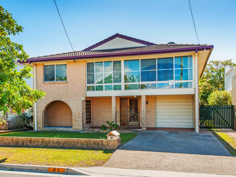 31 Nankeen Avenue, Paradise Point, Qld 4216