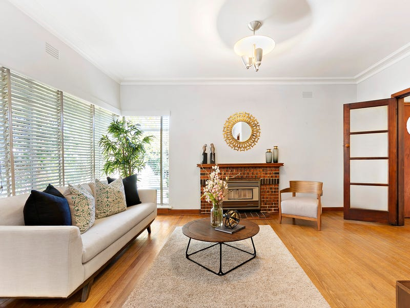 328 Warrigal Road (cnr Delia St), Oakleigh South, Vic 3167
