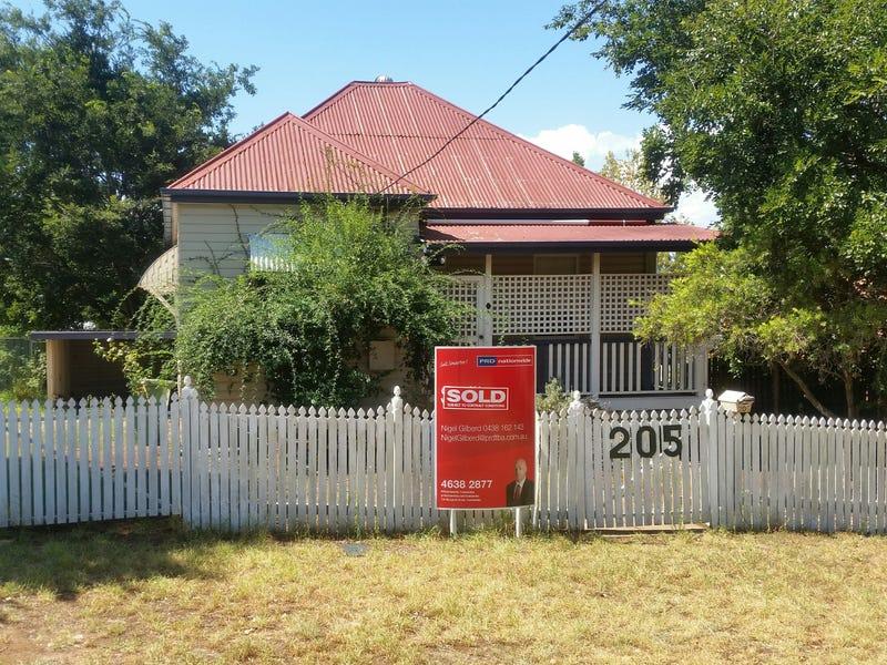 205 Bridge Street, North Toowoomba, Qld 4350
