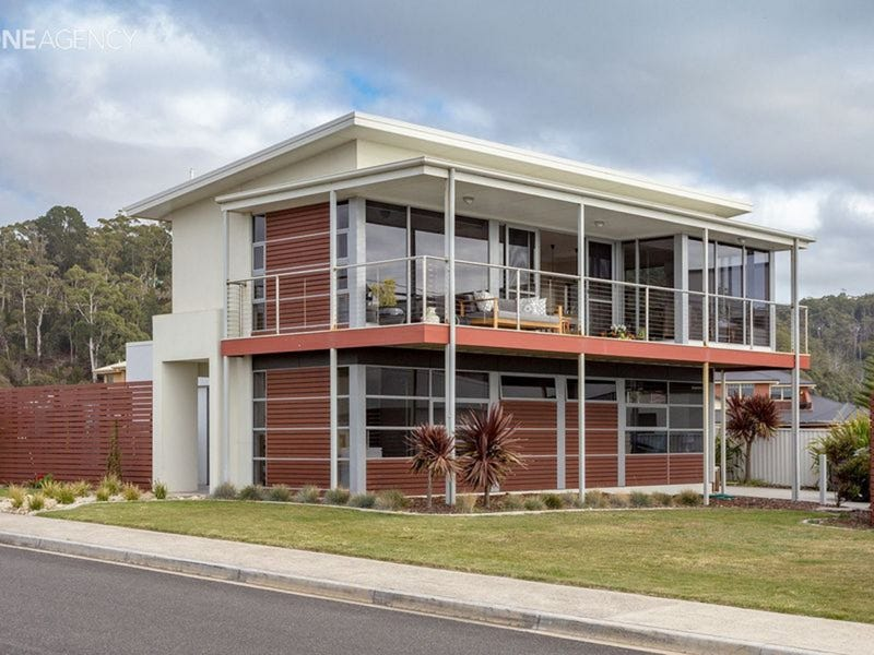 2/2 Oceanside Boulevard, Sulphur Creek, Tas 7316