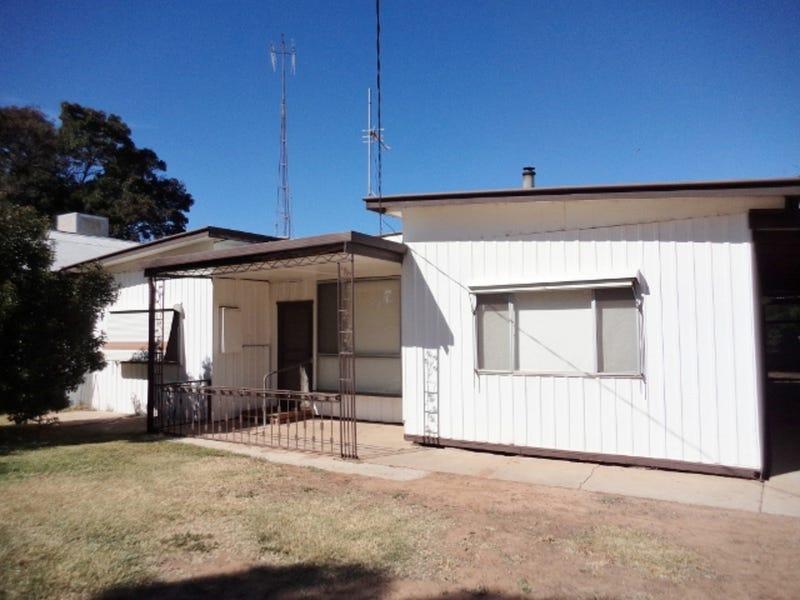 25 Gray Street, Nyah West, Vic 3595