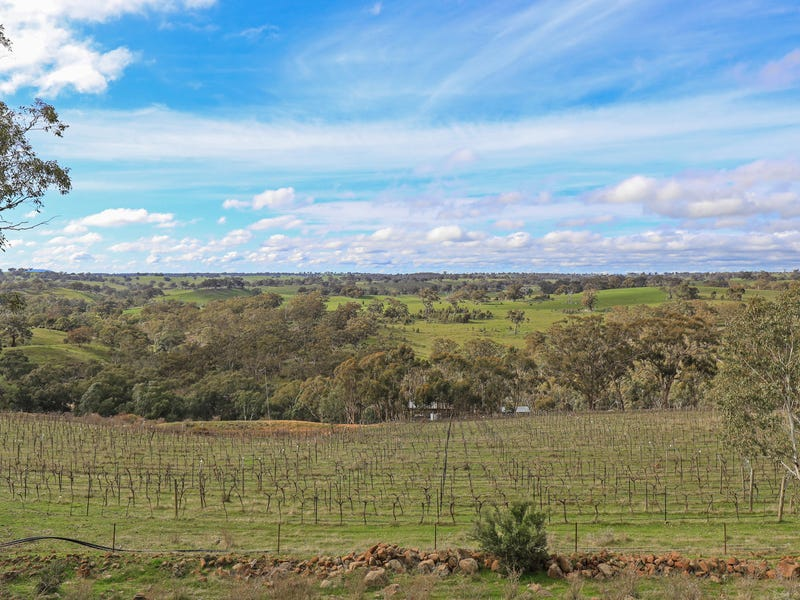 176 North Redesdale Road, Redesdale, Vic 3444