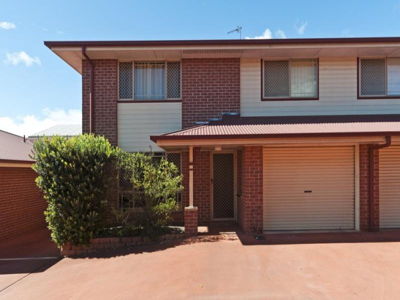 5/4 O'Quinn St, Harristown, Qld 4350