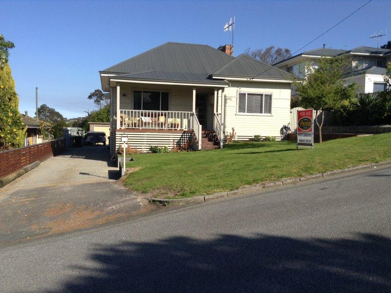 6 Angus Street, Mount Melville, WA 6330