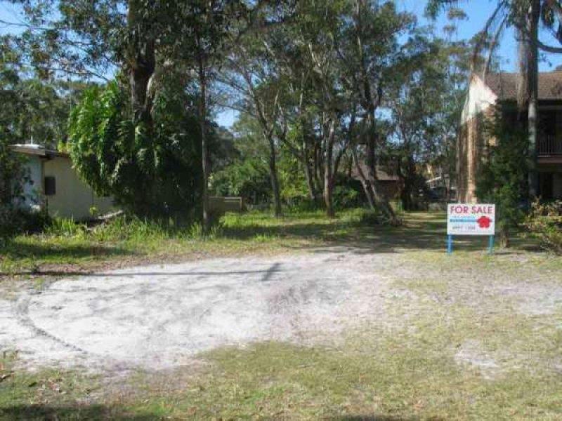 22  Margaret Street, Hawks Nest, NSW 2324