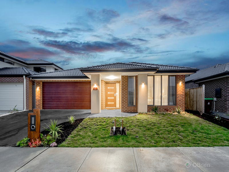 19 Carlyle Crescent, Clyde North, Vic 3978