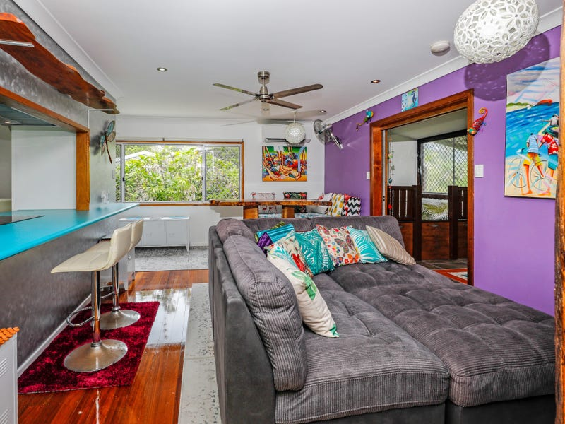 102 Mayers St, Manunda, Qld 4870