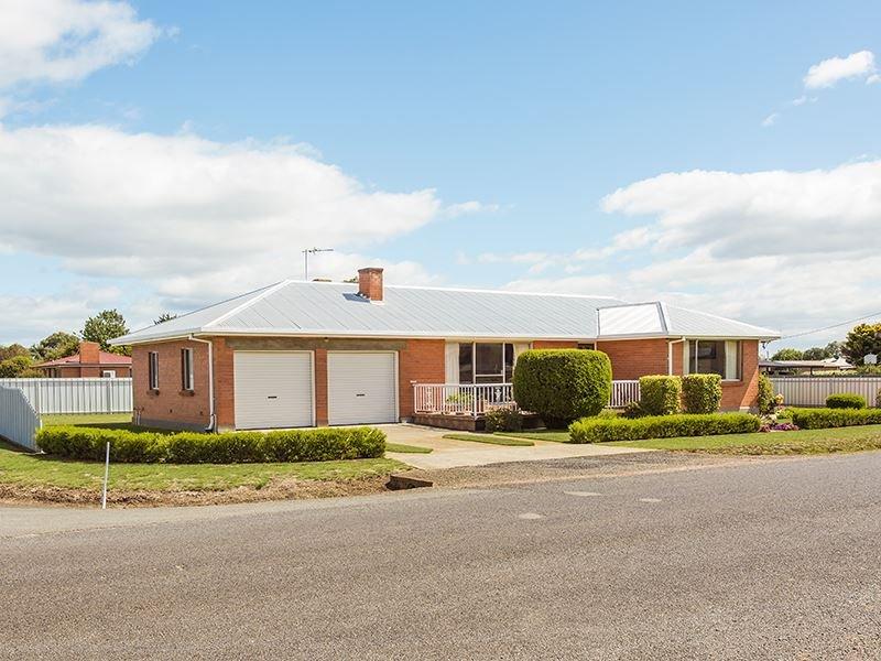24 East Street, Carrick, Tas 7291