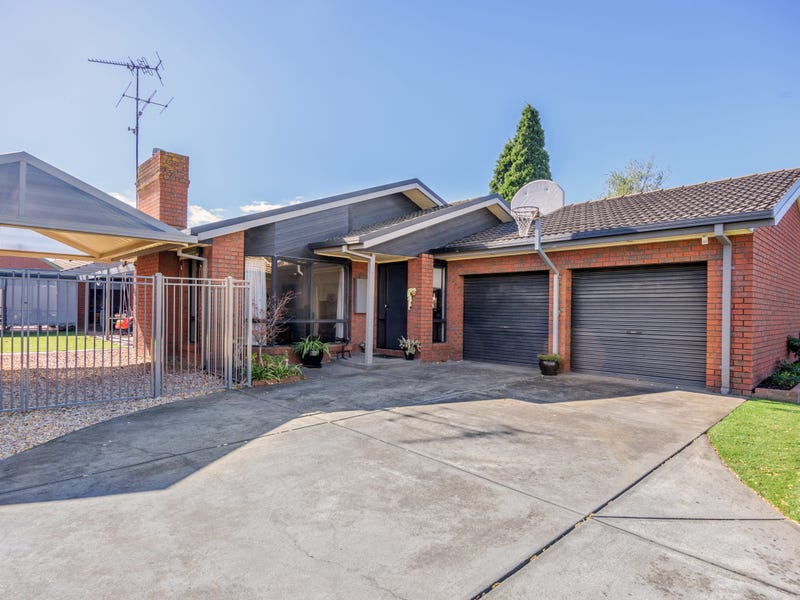 2 Links Court, Invermay Park, Vic 3350