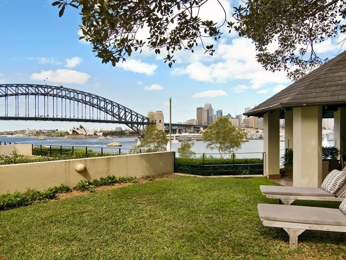 2/1 East Crescent, McMahons Point, NSW 2060