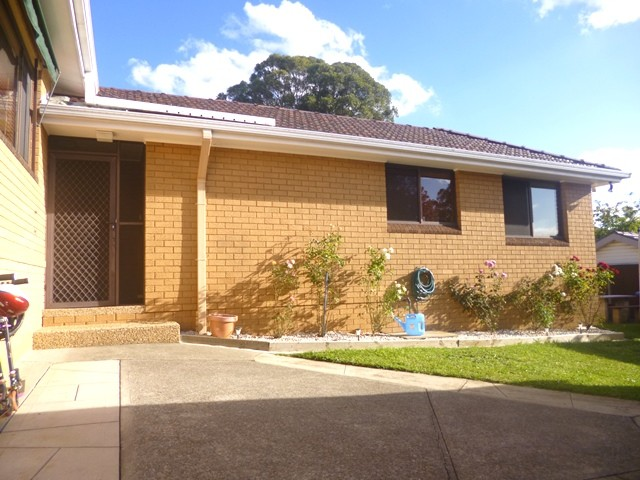 1A Fisher Crescent, Pendle Hill