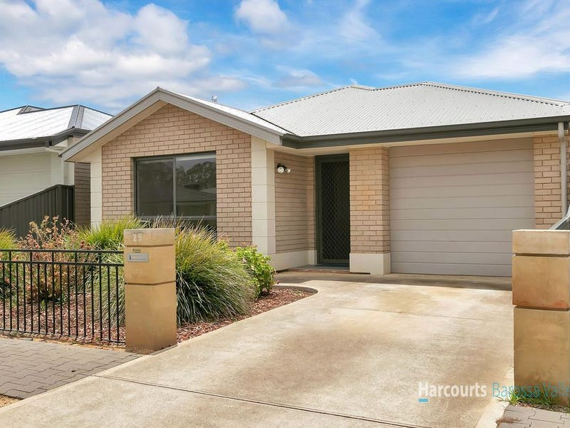 25 Riesling crescent, Andrews Farm, SA 5114