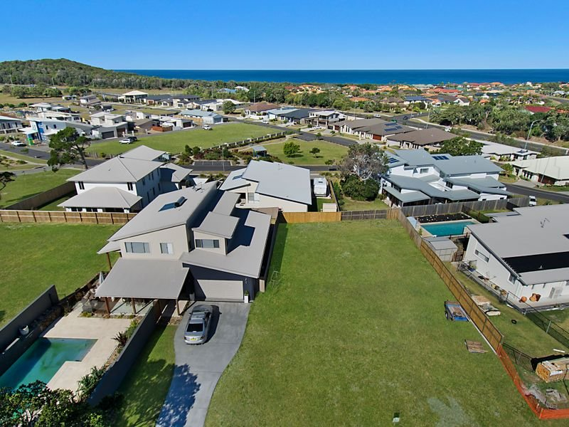 Bullinah Crescent (Angels Beach North), East Ballina, NSW 2478