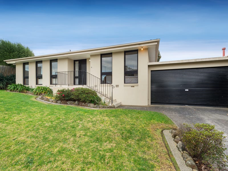11 Marykirk Drive, Wheelers Hill, Vic 3150