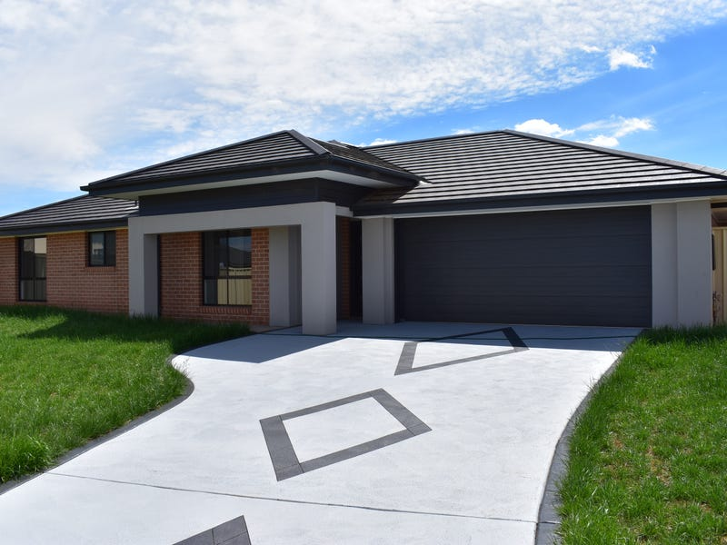 18 Angeleish Avenue, Parkes, NSW 2870