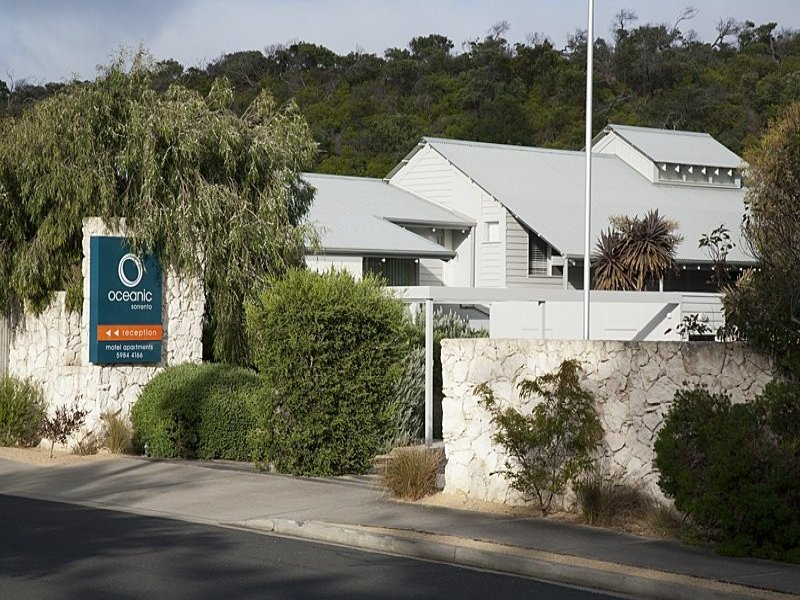 13&13A, 234 Ocean Beach Road, Sorrento, Vic 3943