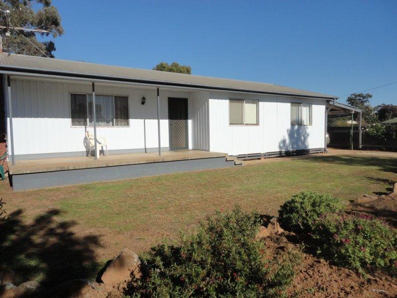32 Hopetoun Street, Ariah Park, NSW 2665