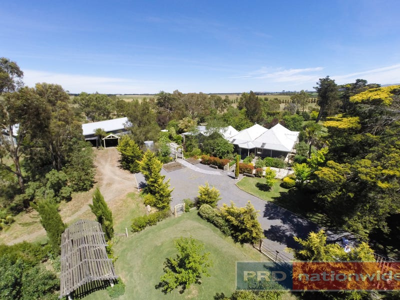879 Remembrance Drive, Windermere, Vic 3352