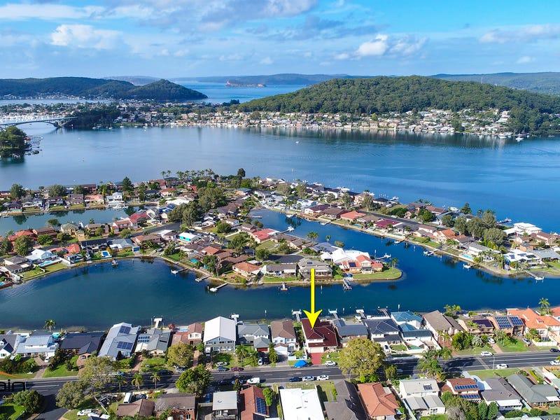 74 Helmsman Boulevarde, St Huberts Island, NSW 2257