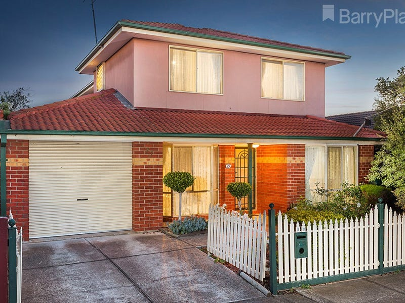 27 Newham Way, Altona Meadows