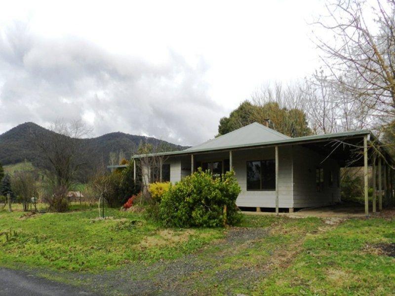 101 Smythes Road, Eskdale, Vic 3701