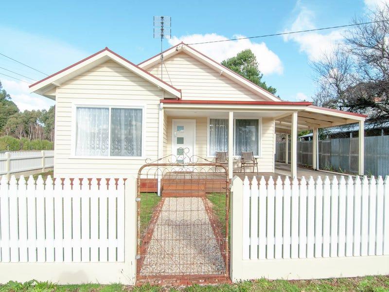 33 Camp Street, Trentham, Vic 3458