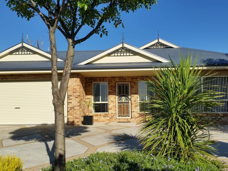 7 Honeysuckle Street, Thurgoona, NSW 2640