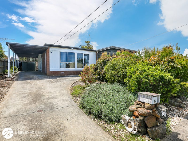 16 Kirriemuir Street, Hamlyn Heights, Vic 3215