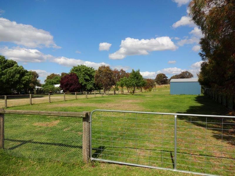 37 School Road, Springhurst, Vic 3682