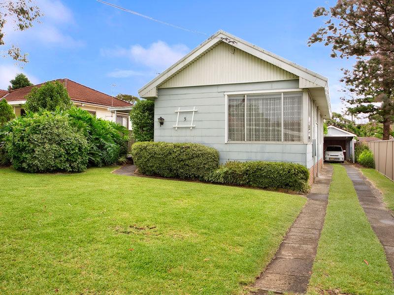 5 Durbar Avenue, Kirrawee, NSW 2232
