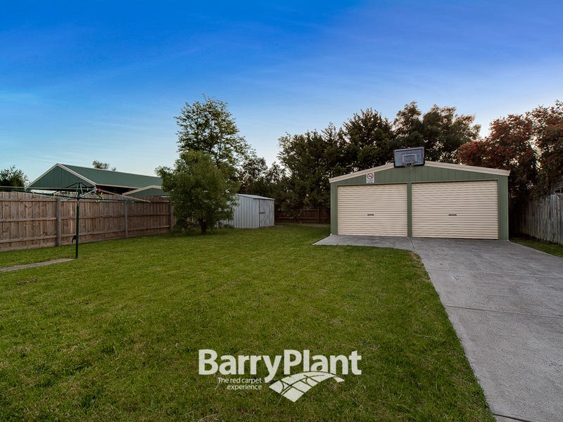61 Howey Road, Pakenham, Vic 3810