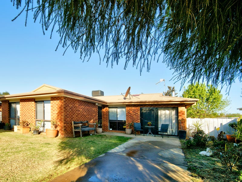 116 Wyatt St, Deniliquin, NSW 2710