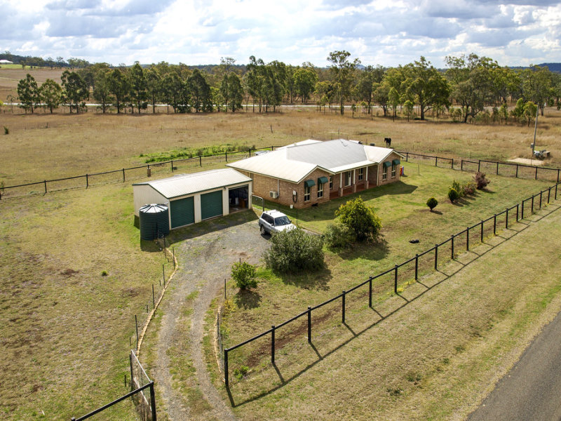 29 Bailey Street, Southbrook, Qld 4363