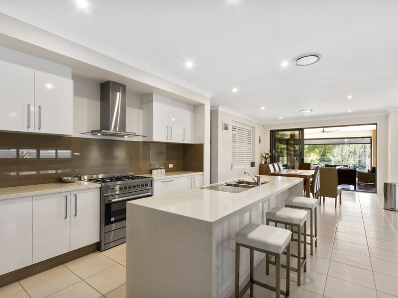 45 The Peninsula, Helensvale