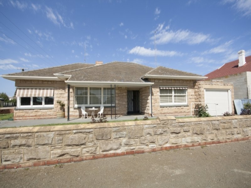24  Clara Street, Wallaroo, SA 5556