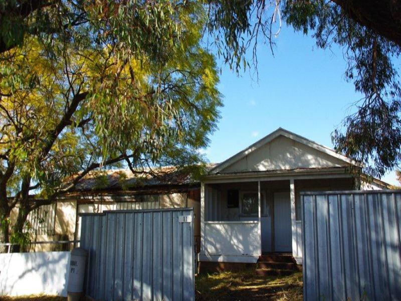 11 Mackeral Street, Mumbil, NSW 2820
