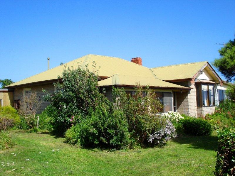 14 Shaw Street, Currie, Grassy, Tas 7256
