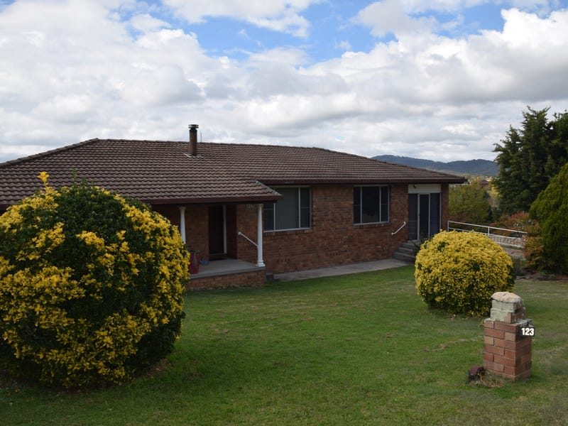123 Pelham Street, Tenterfield, NSW 2372