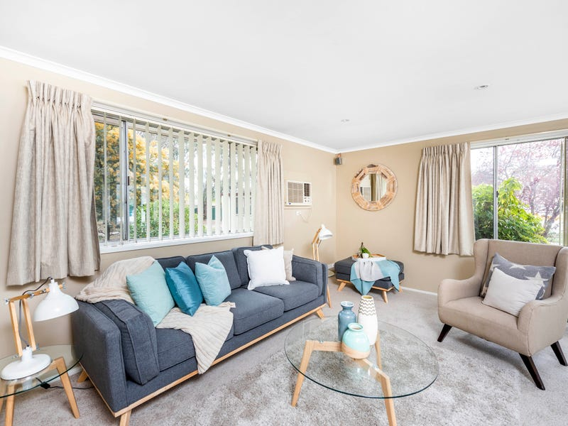 11 Tebbutt Place, Charnwood, ACT 2615