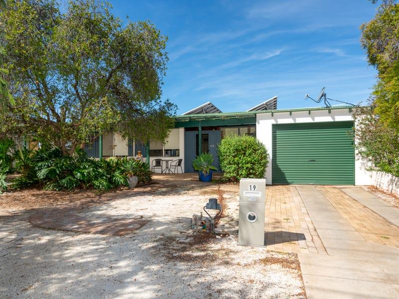 19 Panorama Street, Kooringal, NSW 2650