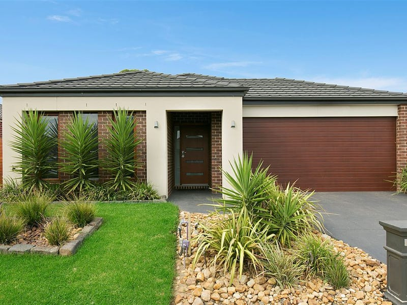 12 Tawleed Grove, Clyde North, Vic 3978