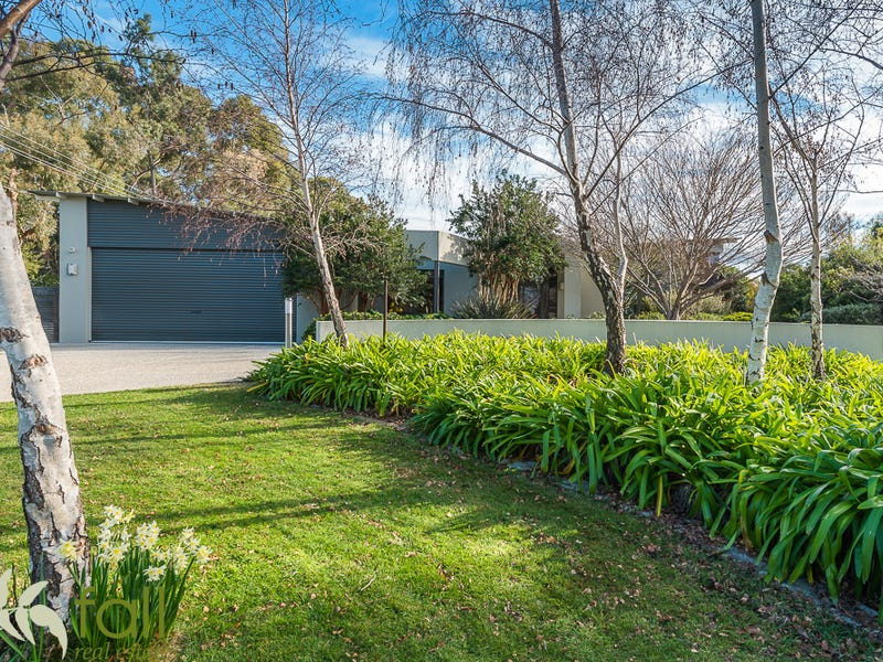 84 Burwood Drive, Blackmans Bay