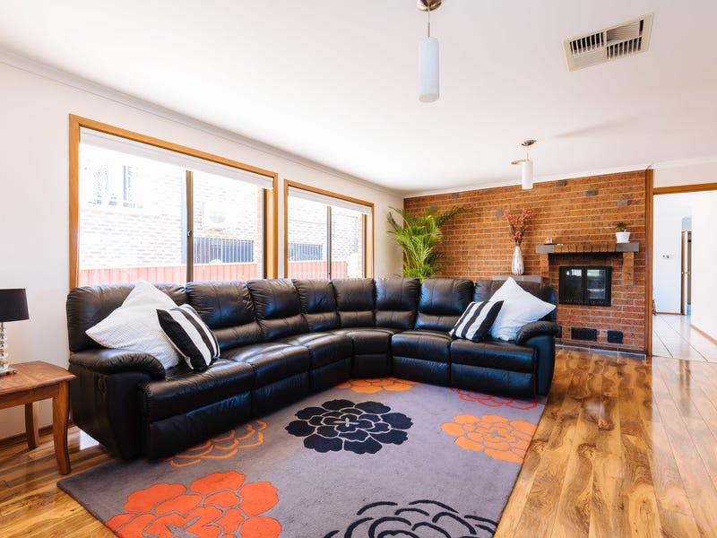 5 Burton Place, Queanbeyan, NSW 2620