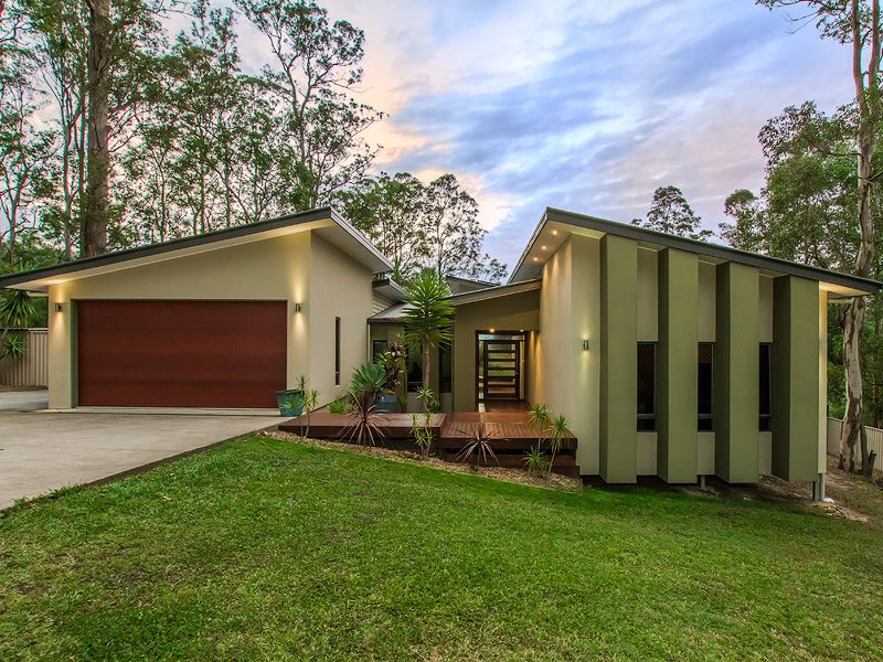 11 Lookout Place, Mount Nathan, Qld 4211