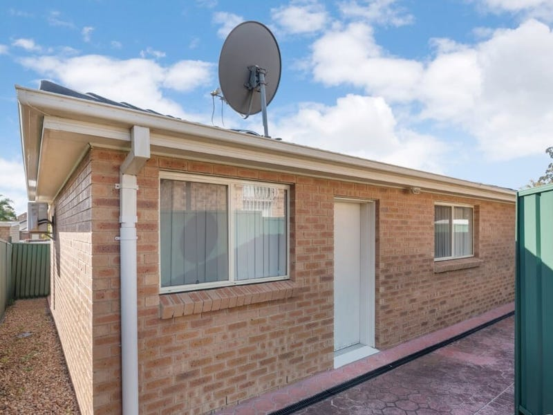 19a Turquoise Crescent, Bossley Park, NSW 2176