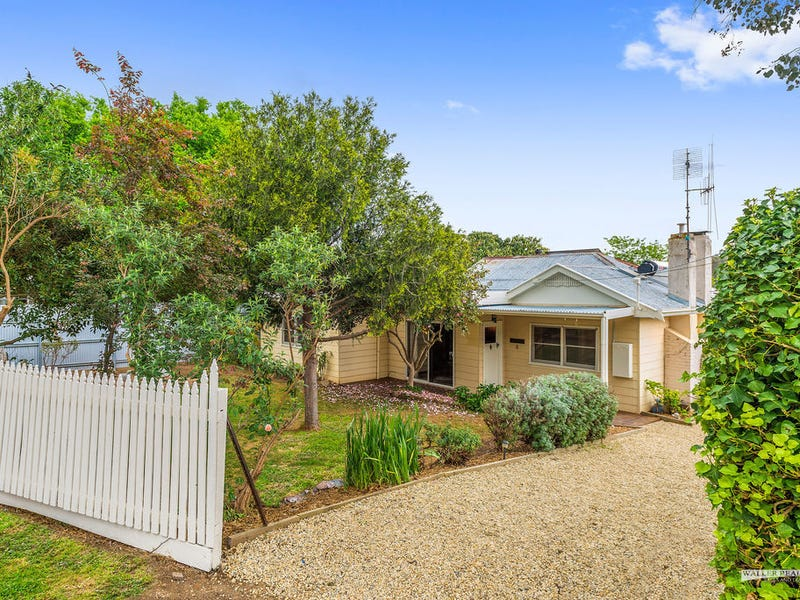 8 Moscript Street, Campbells Creek, Vic 3451