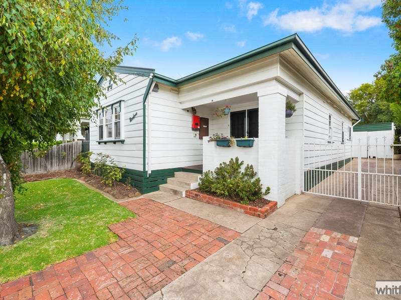 19 Saywell Street, North Geelong, Vic 3215