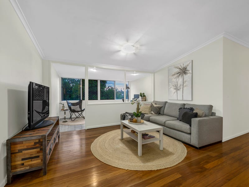 192 Kitchener Road, Kedron, Qld 4031