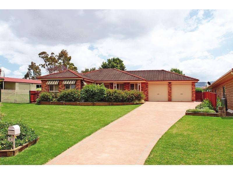 5 Essington Court, Bomaderry, NSW 2541