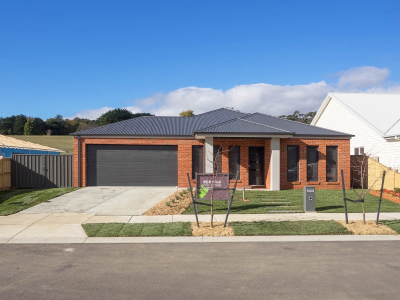13 Tributary Way, Woodend, Vic 3442